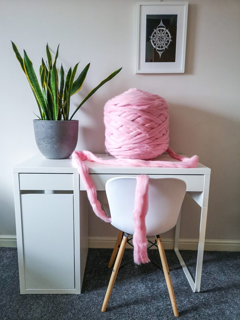 Giant Wool Yarn Pink